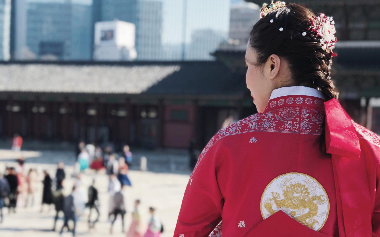 Trải nghiệm mặc Hanbok tại Gyeongbok gung