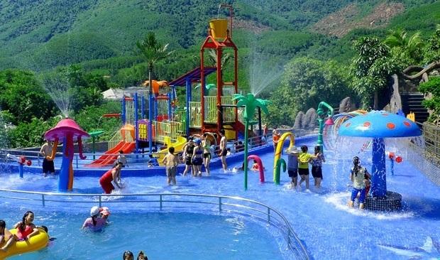 Suối khoáng nóng núi Thần Tài Đà Nẵng