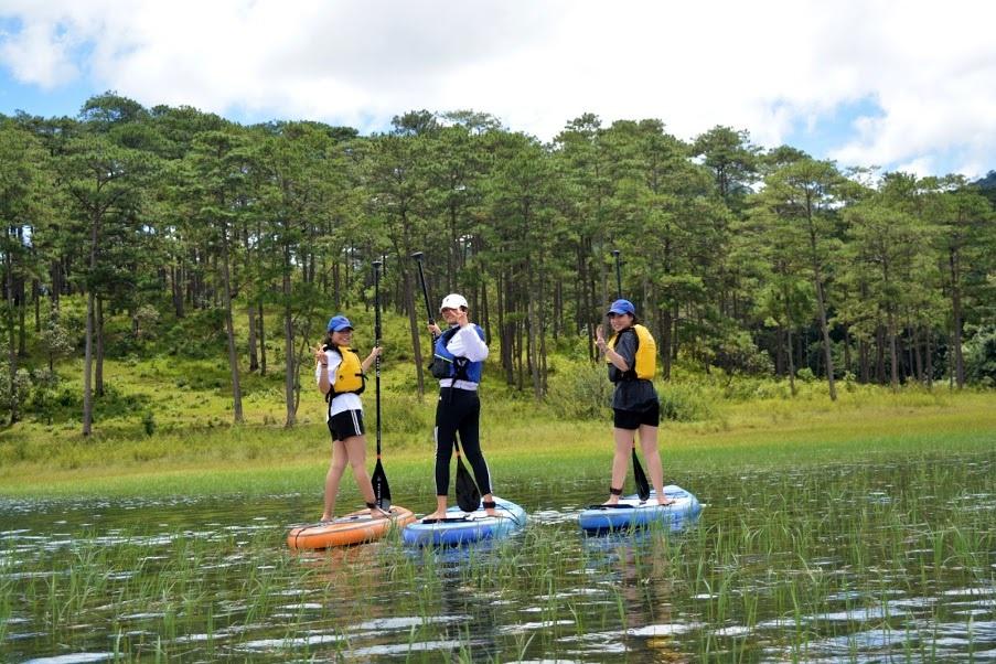 Chèo Sup khám phá Hồ Tuyền Lâm Đà Lạt