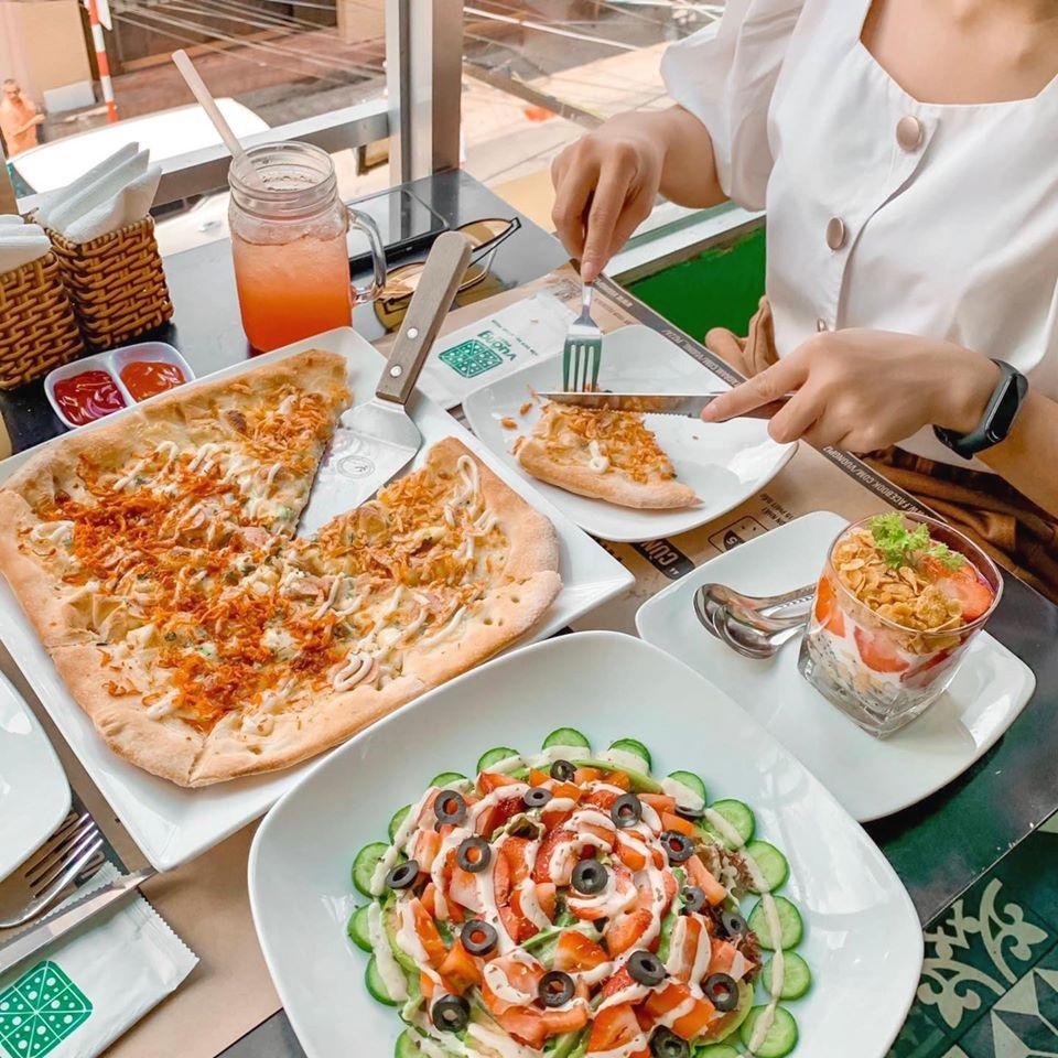Đặt chỗ tại Vuông Pizza Đà Lạt