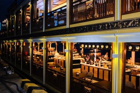 Ăn tối trên sông Sài Gòn bằng du thuyền Bonsai Cruise