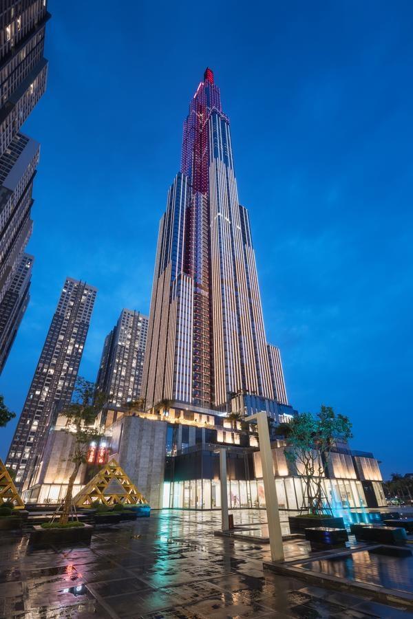 Giáng sinh an lành tại Vinpearl Luxury Landmark 81