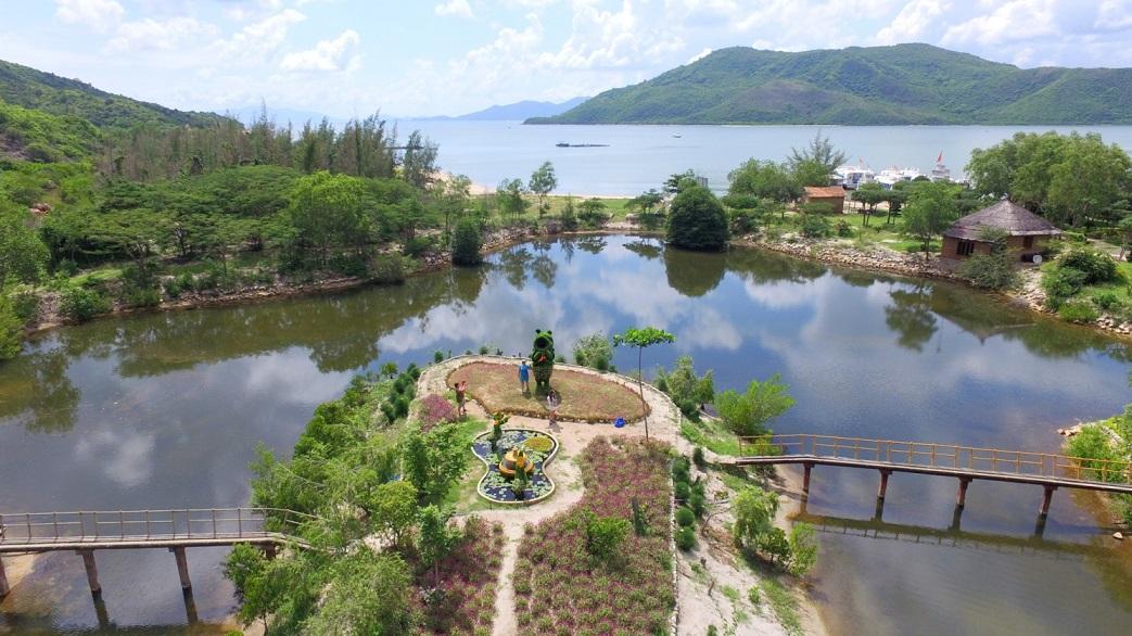 Tour Đảo khỉ - Suối hoa lan một ngày từ Nha Trang