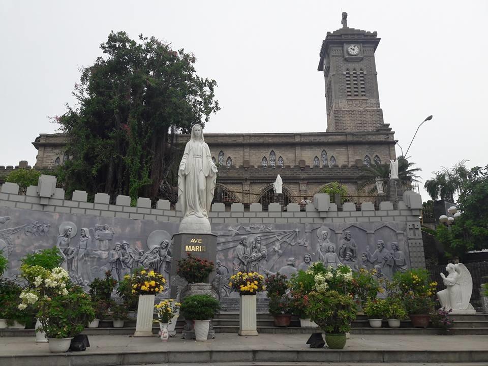 Nhà Thờ Đá (Núi), Nha Trang