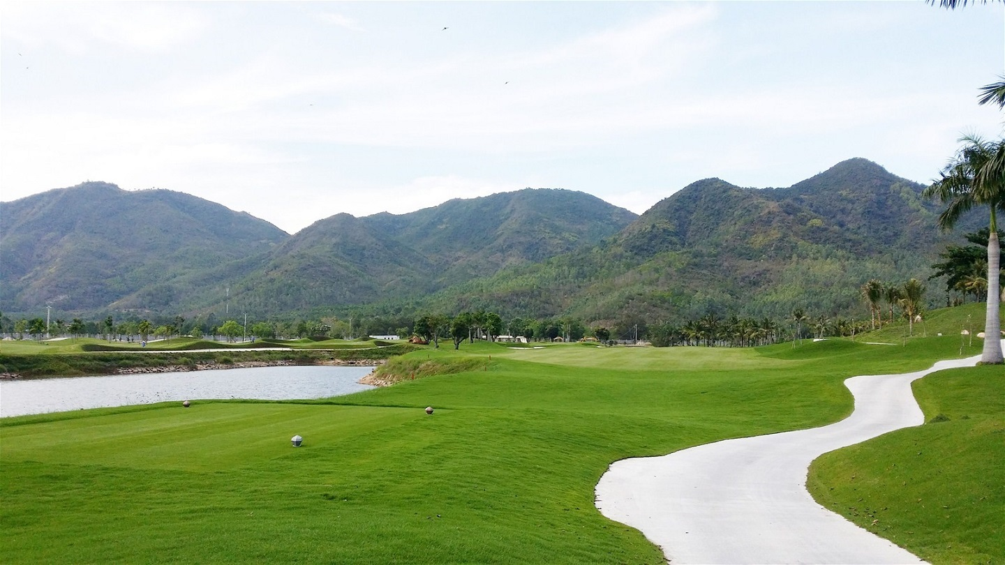 Sân golf Diamond Bay