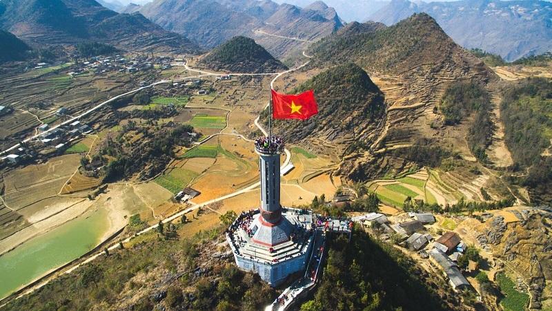 Tour Hà Giang - Khám phá Quản Bạ, Đồng Văn, Lũng Cú, ngồi thuyền trên sông Nho Quế chiêm ngưỡng hẻm vực Tu Sản