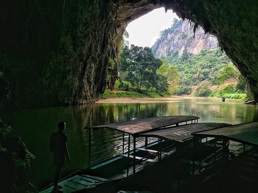 Tour trong ngày khám phá Động Phong Nha - Suối Nước Moọc