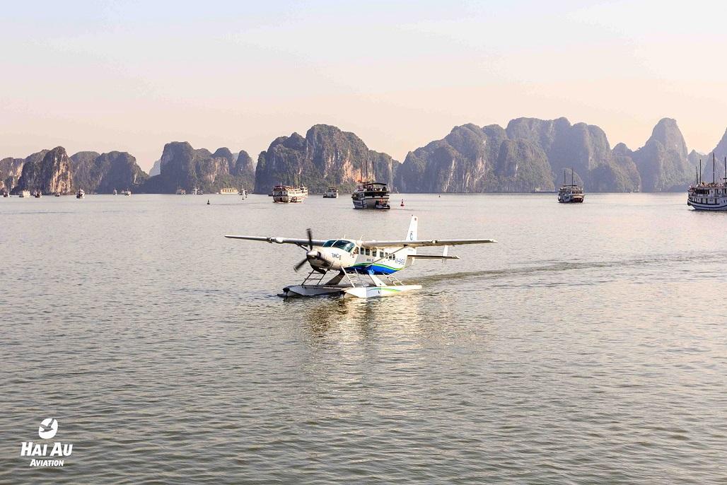Thủy phi cơ Hải Âu - Ngắm cảnh Hạ Long