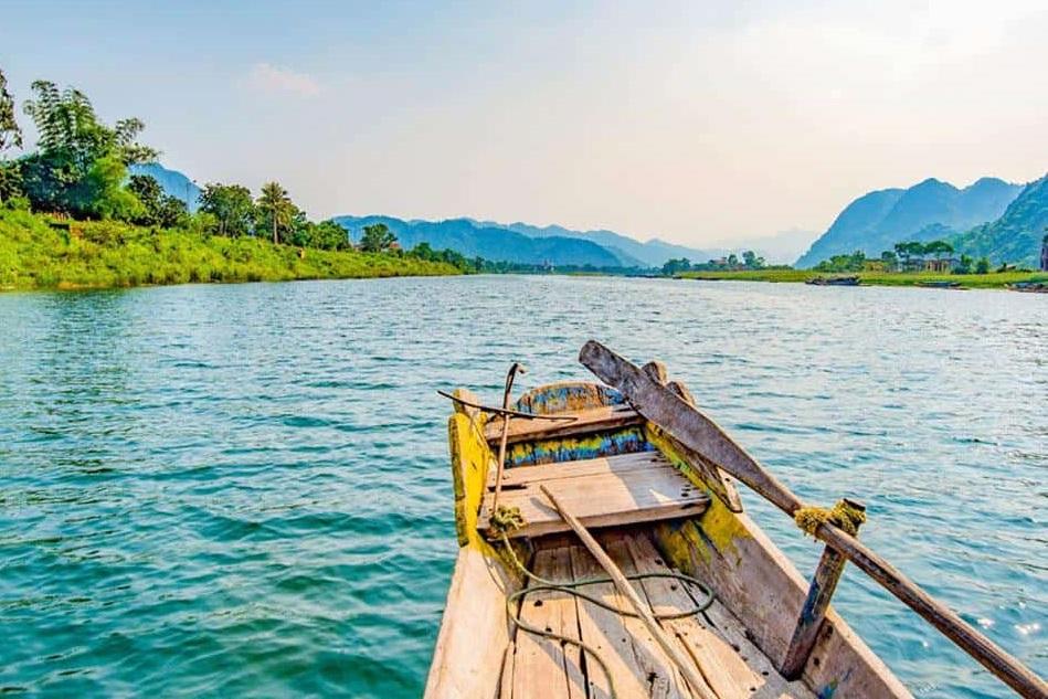 Tour ngồi thuyền trên sông Son, Phong Nha