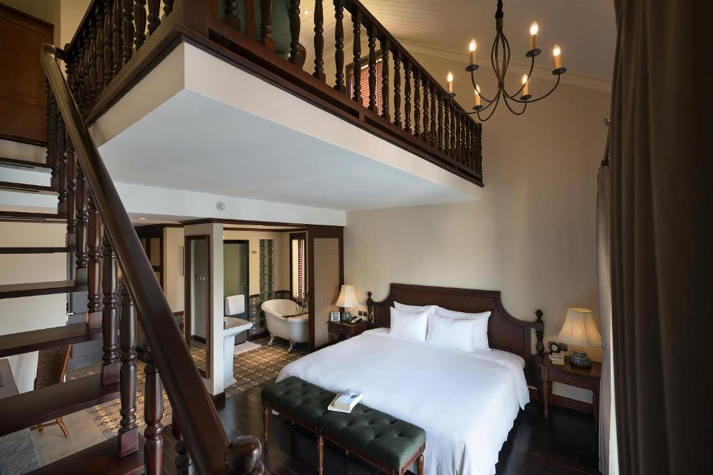 Duplex Suite Balcony (Club Wing)