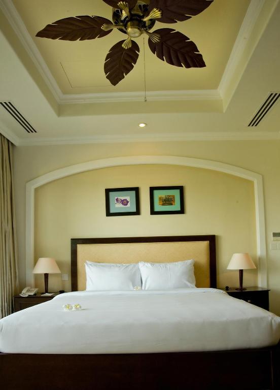 Condos 3 bedroom