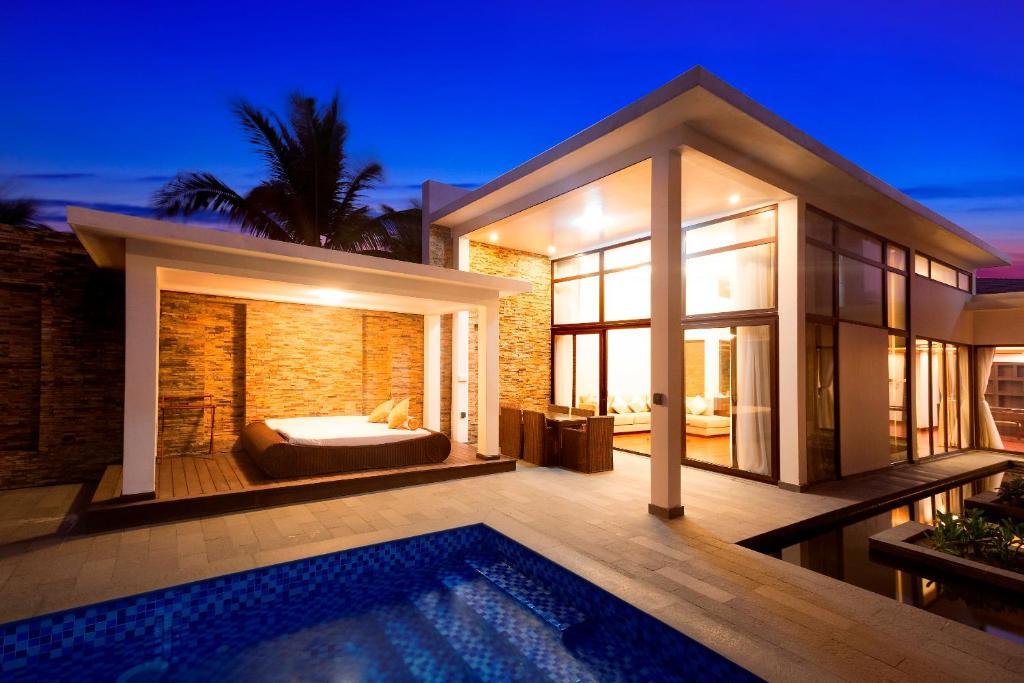 Villa 4 -Bedroom Ocean View