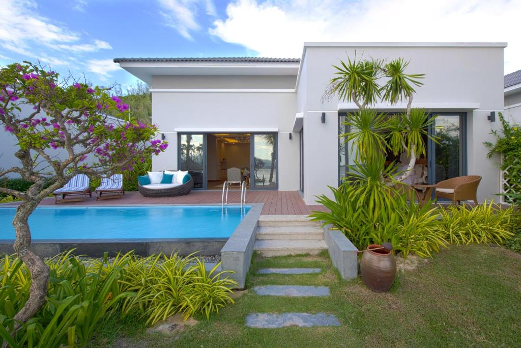2-Bedroom Beach Front Villa (BB)
