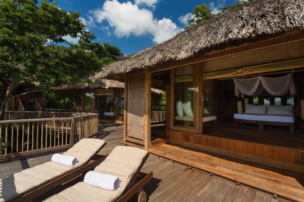 2-Bedroom Hill Top Pool Villa