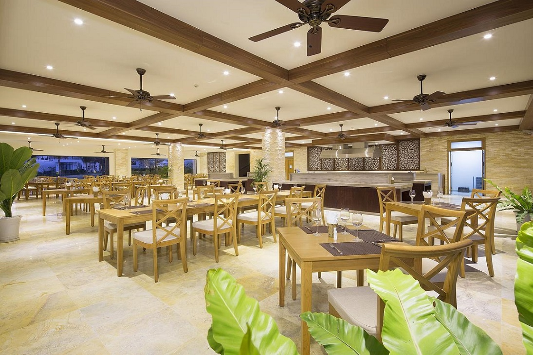 Nghỉ dưỡng và vui chơi hết ý tại Riviera Cam Ranh Beach Resort and Spa (5N4Đ)