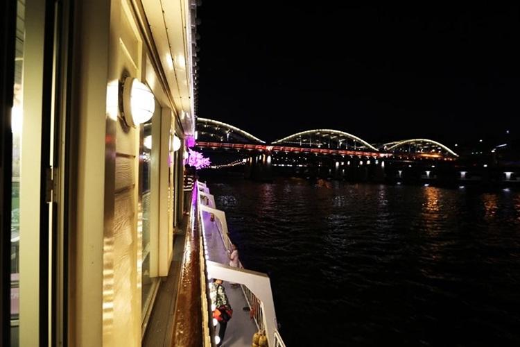 Trải nghiệm du thuyền trên sông Hàn, Seoul