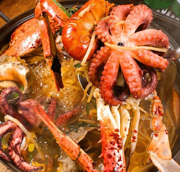 Nhà hàng hải sản Sinhwa Gepan, Busan