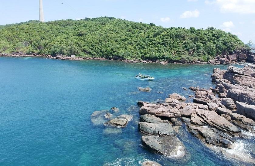 Tour câu cá ngắm san hô kết hợp câu mực đêm Phú Quốc